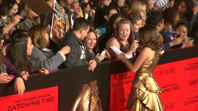 sarah hyland at the hunger games catching fire los angeles premiere in los angeles ca on - sarah hyland stock videos and b-roll footage