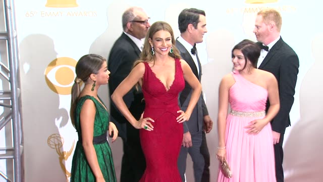 sarah hyland sofia vergara ariel winter ed o'neill jesse tyler ferguson and ty burrell at 65th annual primetime emmy awards photo room sarah hyland... - sarah hyland stock videos and b-roll footage