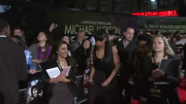 sarah jane crawford at the michael jackson: the life of an icon world premiere at london england. - michael crawford点の映像素材/bロール