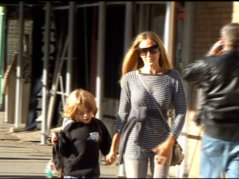 sarah jessica parker and her son james wilke walk through greenwich village 09/13/10 at the celebrity sightings in new york at new york ny - sarah parker stock videos & royalty-free footage