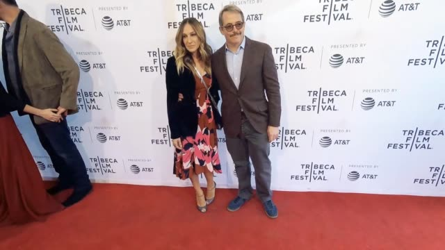 stockvideo's en b-roll-footage met sarah jessica parker and matthew broderick at the to dust tribeca film festival at sva theatre on april 22 2018 in new york city - sarah jessica parker