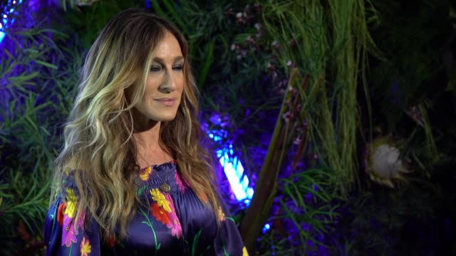 vídeos de stock, filmes e b-roll de sarah jessica parker at the l'eden by perrierjouet opening night in partnership with vanity fair at casa claridge's on november 29 2016 in miami... - sarah jessica parker