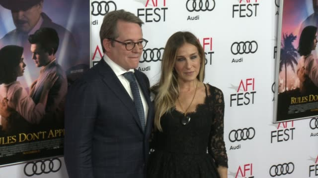 stockvideo's en b-roll-footage met sarah jessica parker matthew broderick at audi celebrates opening night of 'rules don't apply' at afi fest 2016 on november 10 2016 in hollywood... - sarah jessica parker