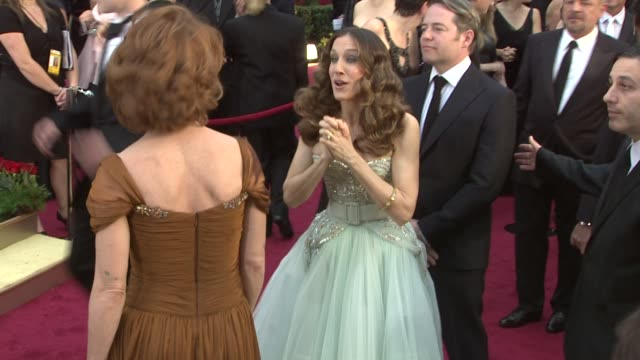 sarah jessica parker, matthew broderick at the 81st academy awards arrivals part 2 at los angeles ca. - マシュー ブロデリック点の映像素材/bロール