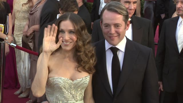 stockvideo's en b-roll-footage met sarah jessica parker matthew broderick at the 81st academy awards arrivals part 2 at los angeles ca - sarah jessica parker
