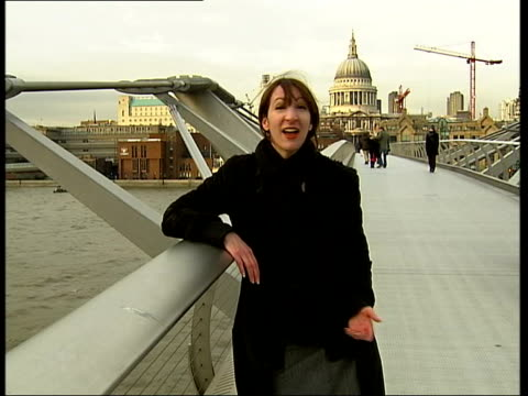 sarah johnstone personal view of london itv london tonight sarah johnstone authored report london music overlaid over following shots seq quick cut... - itv london tonight点の映像素材/bロール