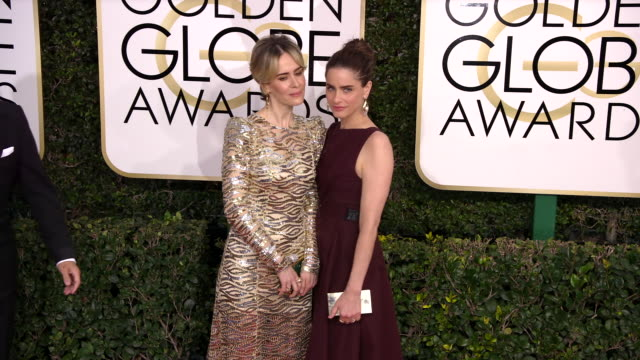 sarah paulson and amanda peet at the 74th annual golden globe awards arrivals at the beverly hilton hotel on january 08 2017 in beverly hills... - amanda peet stock videos & royalty-free footage