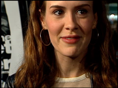 sarah paulson at the 'get carter' premiere on october 3 2000 - westwood neighborhood los angeles stock videos & royalty-free footage