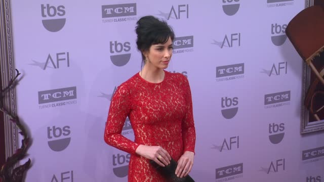 vídeos de stock, filmes e b-roll de sarah silverman at the american film institute's 43rd life achievement award gala tribute to steve martin at dolby theatre on june 04 2015 in... - american film institute