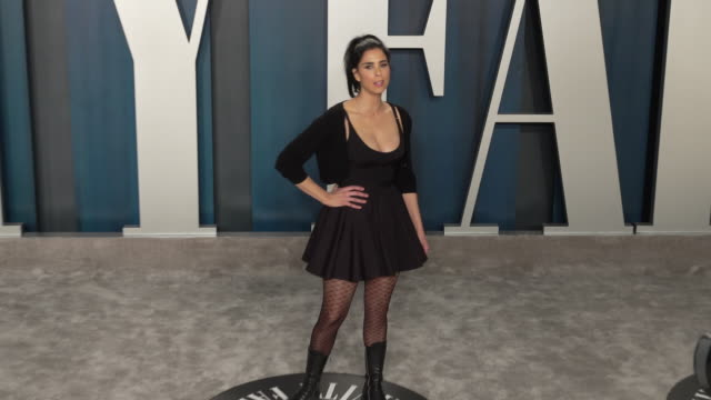 stockvideo's en b-roll-footage met sarah silverman at vanity fair oscar party at wallis annenberg center for the performing arts on february 09, 2020 in beverly hills, california. - sarah silverman