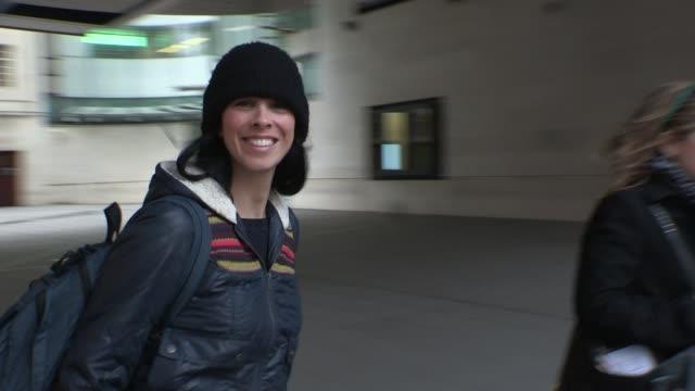 stockvideo's en b-roll-footage met sarah silverman - celebrity video sightings on february 06, 2013 in london, england - sarah silverman