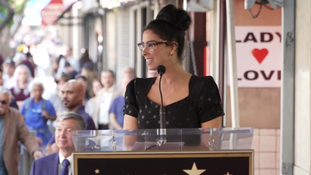 stockvideo's en b-roll-footage met sarah silverman on growing up, her friends & family at sarah silverman honored with a star on the hollywood walk of fame on november 09, 2018 in... - sarah silverman