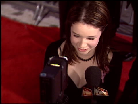 sarah steele at the 'spanglish' premiere on december 9 2004 - spanglish stock videos & royalty-free footage