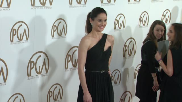 vidéos et rushes de sarah wayne callies at 26th annual producers guild awards in los angeles, ca 1/24/15 - producer's guild of america awards