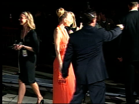 sarah wynter at the 2002 academy awards vanity fair party at morton's in west hollywood, california on march 24, 2002. - サラ ウィンター点の映像素材/bロール