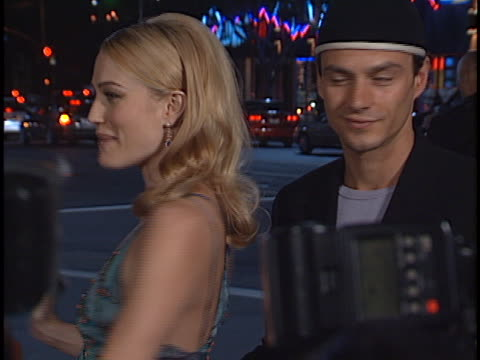 sarah wynter at the premiere of the 6th day at westwood in westwood, ca. - サラ ウィンター点の映像素材/bロール