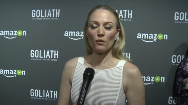 sarah wynter on what goliath is about, on her character, on what to expect from the show, on david kelley, on the city of being like a character in... - サラ ウィンター点の映像素材/bロール