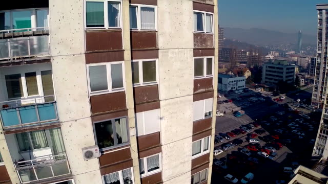 sarajevo luftaufnahme - sarajevo stock-videos und b-roll-filmmaterial