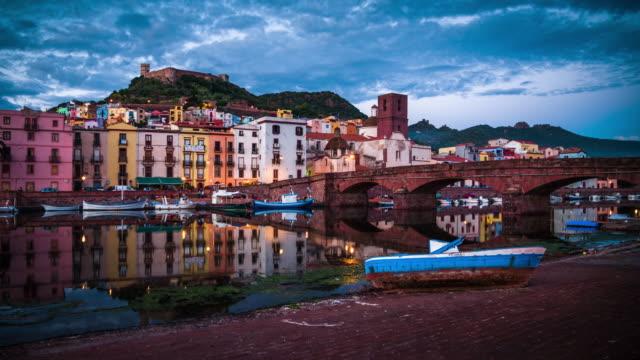 sardinien stadt skyline von bosa-italien - sardinien stock-videos und b-roll-filmmaterial
