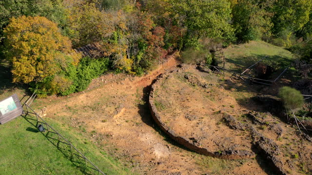sarteano archaeology area in tuscany, italy - luogo d'interesse video stock e b–roll