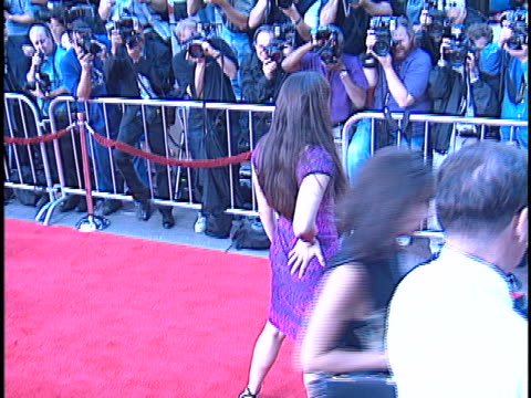 vidéos et rushes de sascha knopf at the rush hour 2 premiere at manns chinese theater, hollywood in hollywood, ca. - rush hour