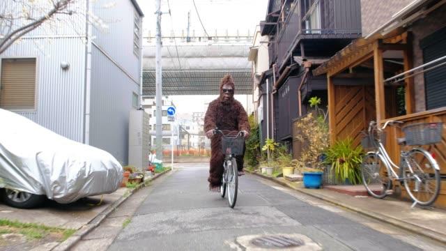 sasquatch in tokyo japan - costume video stock e b–roll