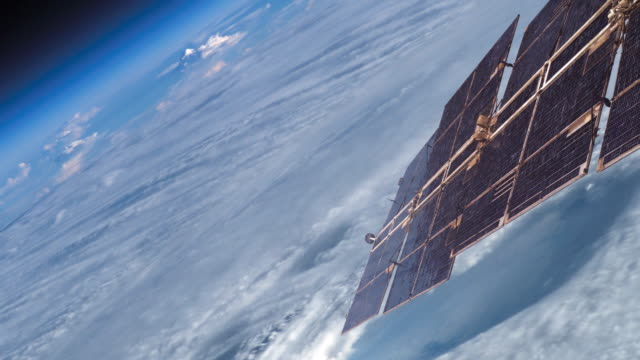 satellite over clouds - 人工衛星点の映像素材/bロール