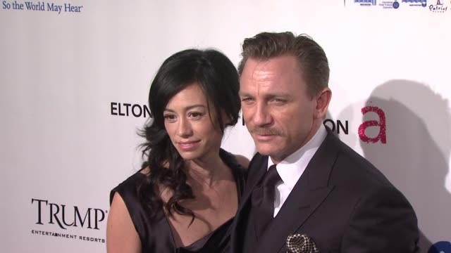 satsuki mitchell and daniel craig at the 8th annual elton john aids foundation's 'an enduring vision' at new york ny - satsuki mitchell stock videos and b-roll footage