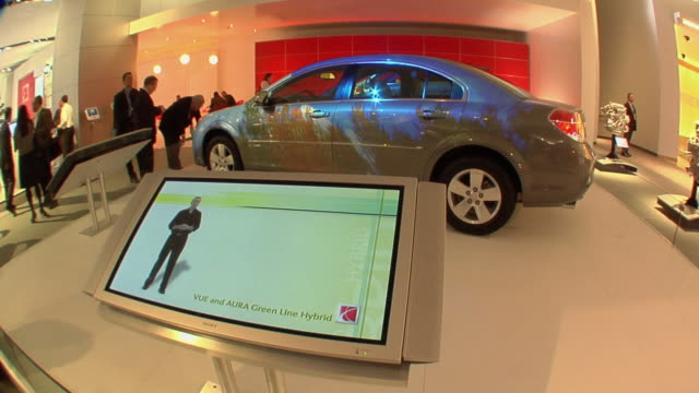 CU PAN ZO Saturn Vue Hybrid display at Detroit Auto Show/ Detroit, Michigan
