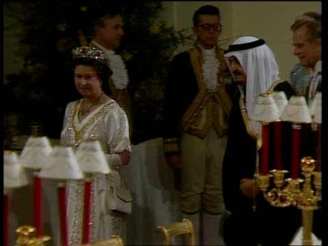 saudi state visit / day 1 bbc ts royal party into banqueting hall as pipe player in f/g ms queen fahd philip diana blue rl - state visit stock videos & royalty-free footage