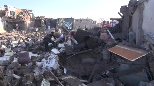 saudi warplanes bombed huthi rebels in yemen on thursday launching a military intervention by a 10 nation coalition to prevent the fall of embattled... - bombardamento aereo video stock e b–roll