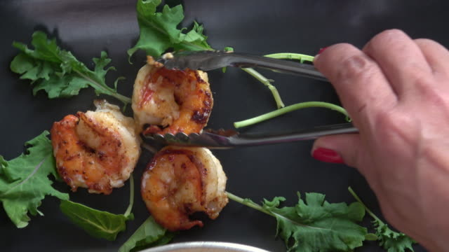 sauteed garlic prawns - saute stock videos and b-roll footage