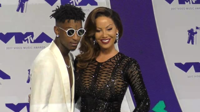 21 savage amber rose at the 2017 mtv video music awards at the forum on august 27 2017 in inglewood california - inglewood video stock e b–roll