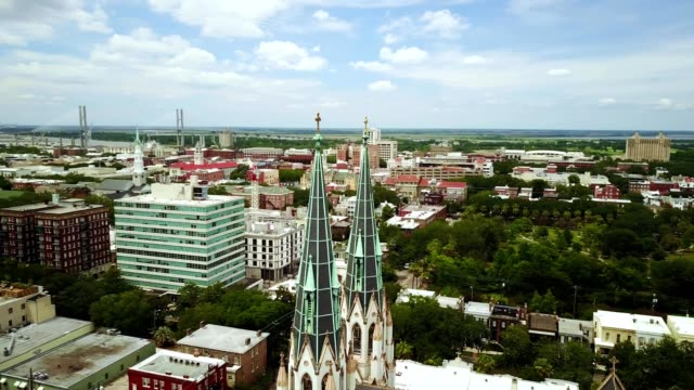 savannah steeples through the oaks - tilt up stock videos & royalty-free footage