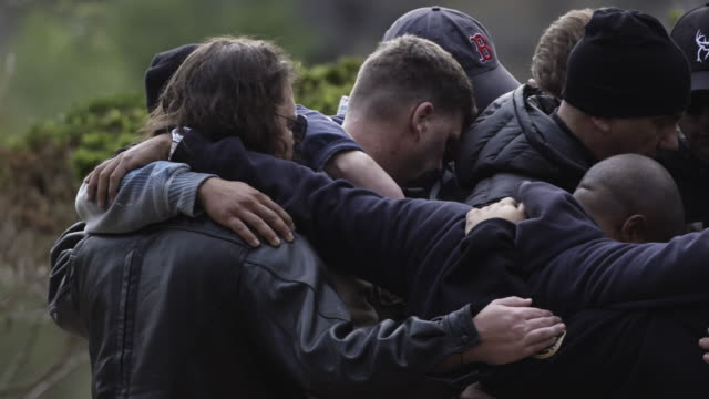 save a warrior program helps veterans with ptsd transition from military to civilian life through therapeutic exercises and challenges - military exercise stock videos & royalty-free footage