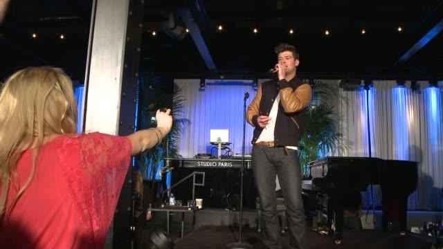save the music foundation 2012 songwriters music series launch at paris club on april 26, 2012 in chicago, illinois - låtskrivare bildbanksvideor och videomaterial från bakom kulisserna