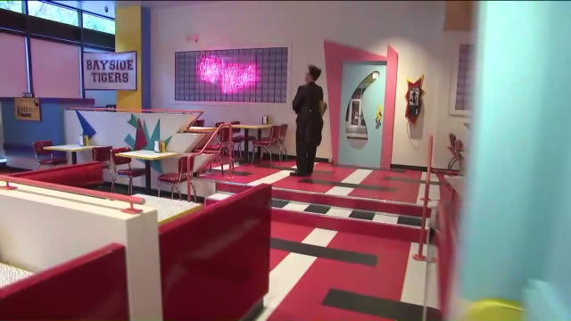 vídeos y material grabado en eventos de stock de saved by the bell'-themed pop-up diner - estados unidos del oeste