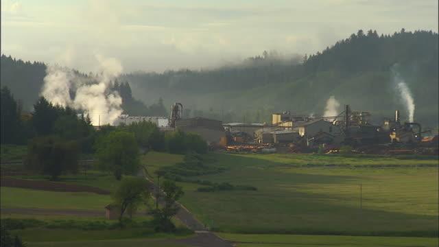 vidéos et rushes de ws, zi, saw mill in green valley, portland, oregon, usa - portland oregon