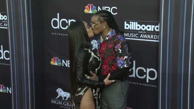 saweetie and quavo at the 2019 billboard music awards at mgm grand garden arena on may 1, 2019 in las vegas, nevada. - billboard点の映像素材/bロール