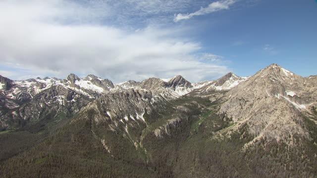 ws aerial zi sawtooth mountain range / idaho, united states - rocky mountains north america stock videos & royalty-free footage
