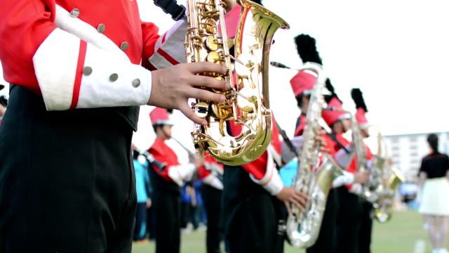stockvideo's en b-roll-footage met saxophone orchestra - saxofonist