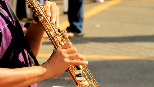 stockvideo's en b-roll-footage met saxofonisten - saxofonist