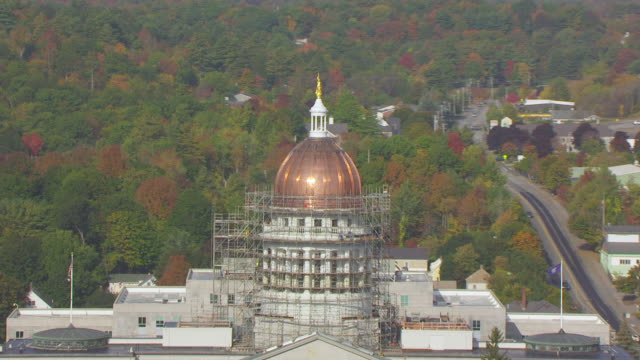 ws zo aerial pov scaffolding surrounding maine state house dome / augusta, maine, united states - augusta maine stock videos & royalty-free footage