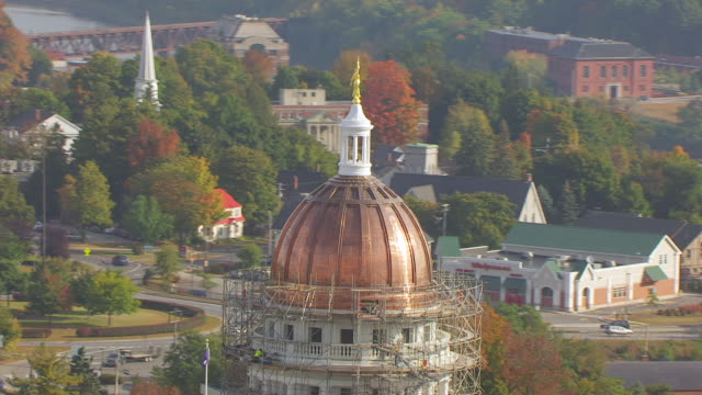 ws zi aerial pov scaffolding surrounding maine state house dome / augusta, maine, united states - augusta maine stock videos & royalty-free footage