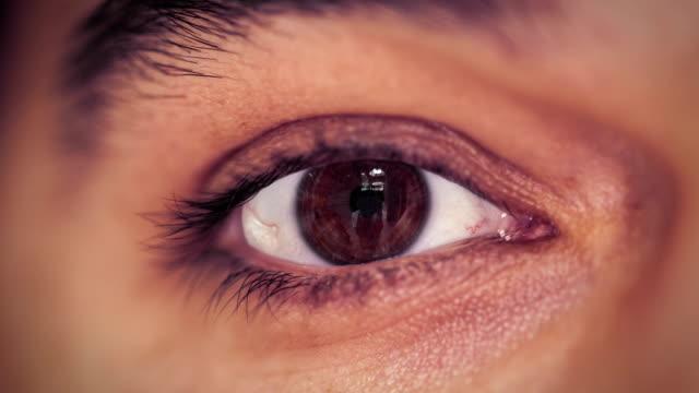 stockvideo's en b-roll-footage met scan eyes - netvlies