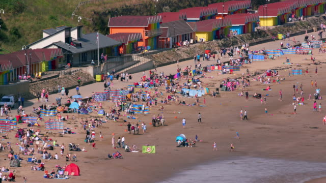 scarborough north bay beach - scarborough inghliterra video stock e b–roll