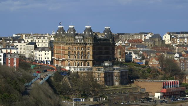 stockvideo's en b-roll-footage met scarborough's grand hotel, valley bridge & south bay - scarborough engeland