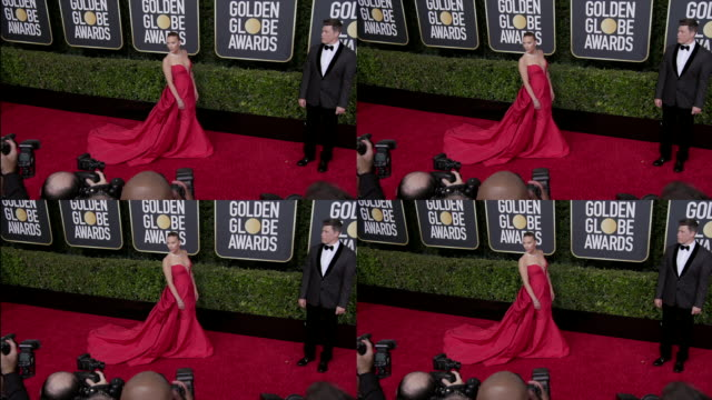 scarlett johansson and colin jost at the 77th annual golden globe awards at the beverly hilton hotel on january 05 2020 in beverly hills california - the beverly hilton hotel stock-videos und b-roll-filmmaterial