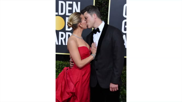 scarlett johansson and colin jost attend the 77th annual golden globe awards at the beverly hilton hotel on january 05 2020 in beverly hills... - the beverly hilton hotel stock-videos und b-roll-filmmaterial