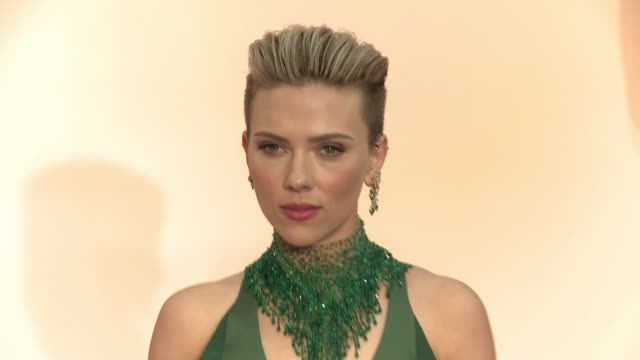 scarlett johansson at 87th annual academy awards - arrivals at dolby theatre on february 22, 2015 in hollywood, california. - academy awards video stock e b–roll